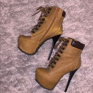 Manilla colored boots, looks like timberlands